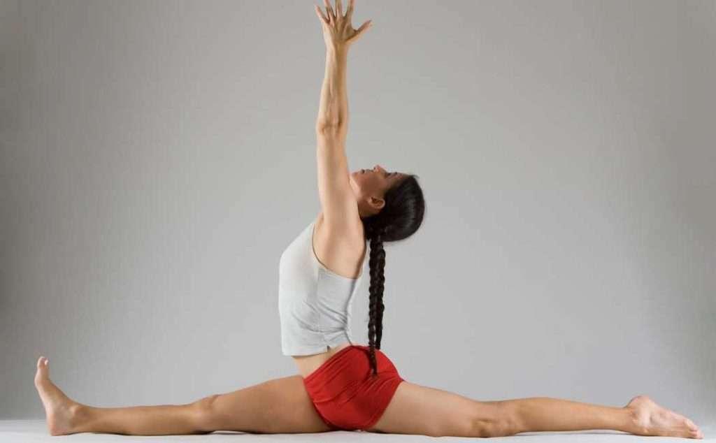 Hanumanasana yoga